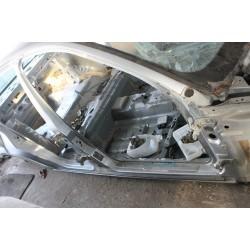 Порог, стойка, боковина правая Ford Mondeo 3